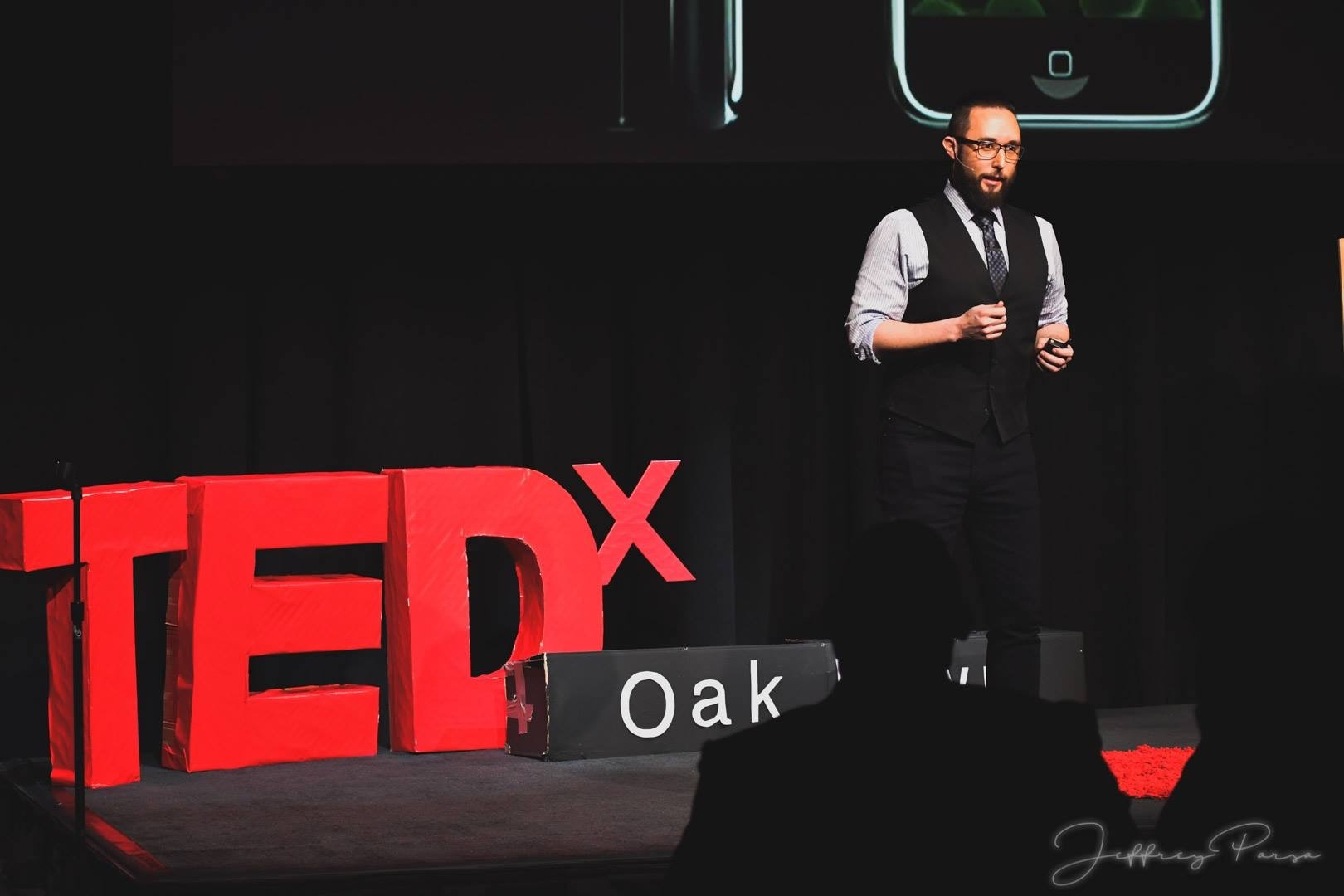 Tom Ewdards TEDx Professional photo3